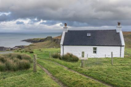 Cottage near Rubha nam Brathairean (Brothers Point), Skye